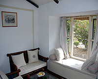 Cottage-Drawing-Room
